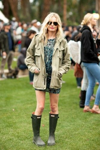 Festivals can mean being exposed to the elements. Take a hint from Ms. Kate Bosworth and rock some Hunter wellies while you rock out with your favorite band