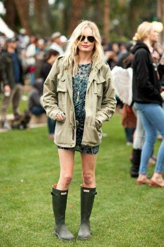 Aviator shades, parka, Hunter boots.
