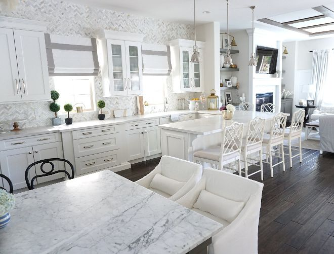 Kitchen with island and peninsula | Beautiful Homes of Instagram @MyHouseOfFour
