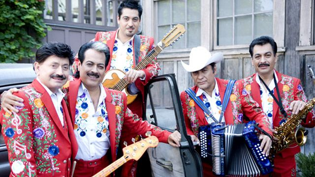 Check out Los Tigres del Norte's videos on Walmart Acceso Total for a chance to score artist swag and more on #AmpedUpRewards! #prizes #rewards #wmaccesototal