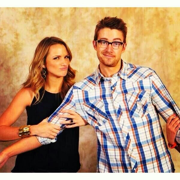 Shantel VanSanten & Robert Buckley I love that they're actually together:)