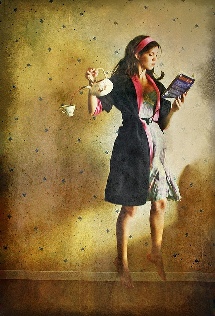 Chá Antigravitacional by Nika Fadul, via Flickr