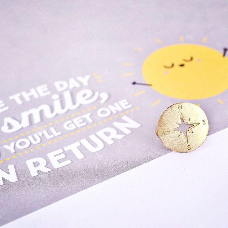 Good morning everyone!! ☀️✨✨  #bubblebox #notallwhowanderarelost #engravedjewelry #compass #traveljewelry #wanderlust #wanderlustjewelry #traveler #travellover #traveladdict #compassjewelry #ring #rings #compassring #compassrose #travel #travelring #fun