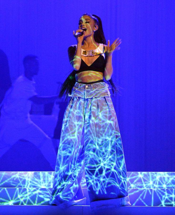 Ariana Grande has reached peak '90s.