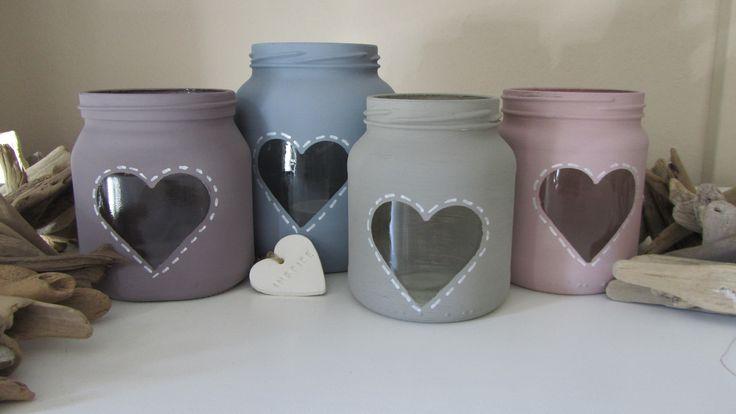 Kips | Leuk oude glazen potten op met wat muur- of kalkverf. #diy