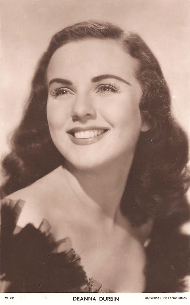 old movie stars photos | ... pictures of the singer and film (movie) star - Deanna Durbin
