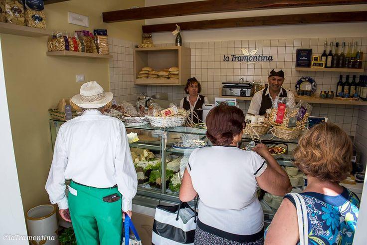 Punto vendita #LaTramontina #Caseificio dal 1952 #Amalfi #mozzarella #madeinitaly #foodporn #bufala #latte #costiera #sorrento