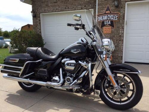2017 HARLEY DAVIDSON ROAD KING FLHR, Price:$16,500. Marshfield, Missouri #harleydavidsons #harleys #roadking #motorcycles #hd4sale #harleydavidsonroadking