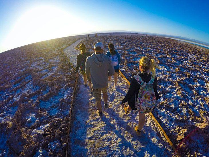 Veja em detalhes o que levar na mala para o Atacama variando entre roupas de frio e calor sem ocupar muito espaço na mala.