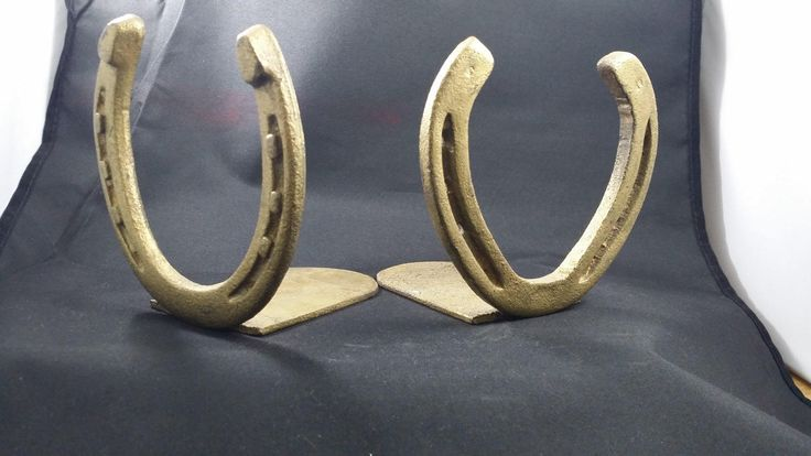 Brass Horseshoe Book Ends, Southwestern decor, Cowboy decor, Brass Horseshoes, Vintage bookends, Southwest book ends, cowboy bookends by PickyVintagePicks on Etsy