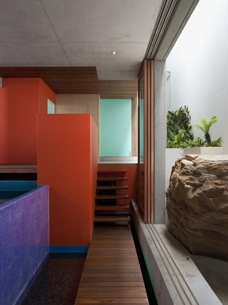 Narrow Passage to Grotto | Chris Elliott Architects: Seacliff house (Sydney, Australia)