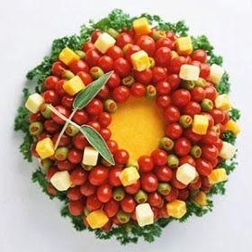 Christmas Cheese & Vegetable Wreath Tray