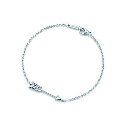 Tiffany Hearts® arrow bracelet in sterling silver, medium.