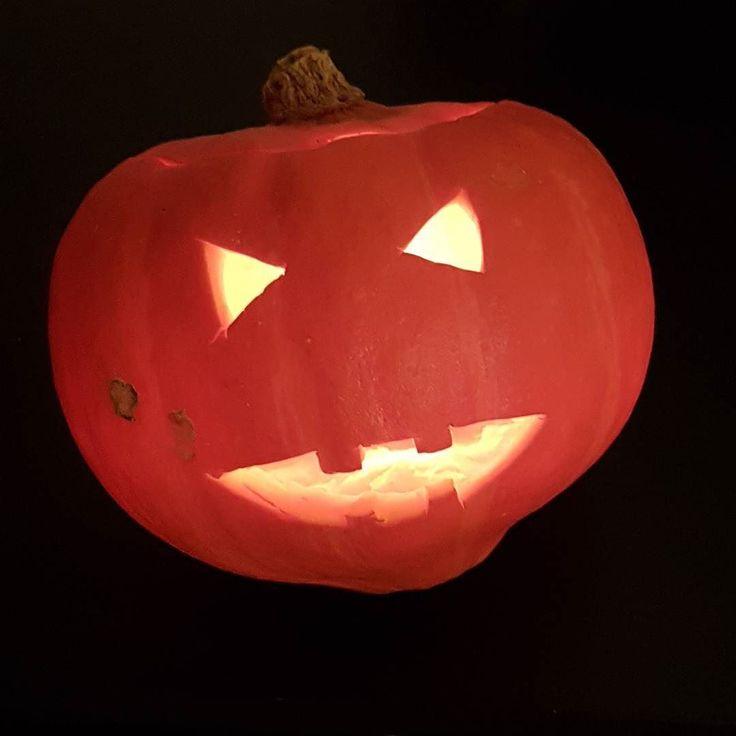 En morgen eten we pompoensoep! Deel 1 #halloween #pumpkin #pumpkincarving #pumpkinhead