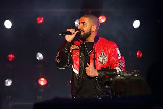 "Drake's ""VIEWS"" Reaches 1 Billion Streams   Released at the end of April Drake's ""VIEWS"" has now been streamed over a billion times. Streaming numbers can be confusing and they seem less convincing than traditional album sales. However a billion streams ain't nothing to scoff at. If one's project reaches the billy mark he or she is in rare company. The latest album to attain 1 billion streams is Drake's VIEWS which is currently spending its fourth consecutive week at No. 1 on the Billboard…"