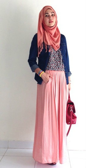http://abayatrade.com One way to wear peach #hijab style.