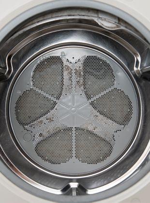 掃除が終わったドラム式洗濯機内部の様子