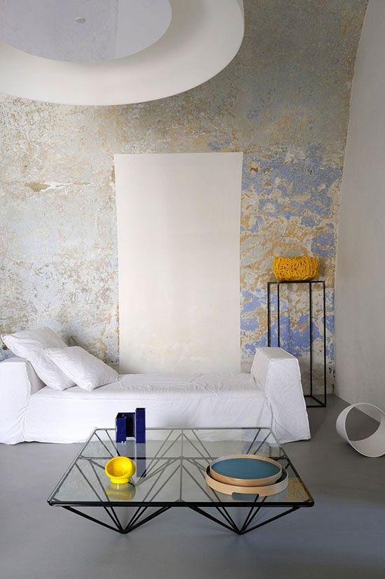 Capri Suite is a modernized 2 suite hotel designed by ZETASTUDIO Architects.