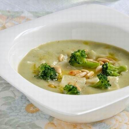 Egy finom Brokkolikrémleves ebédre vagy vacsorára? Brokkolikrémleves Receptek a Mindmegette.hu Recept gyűjteményében!