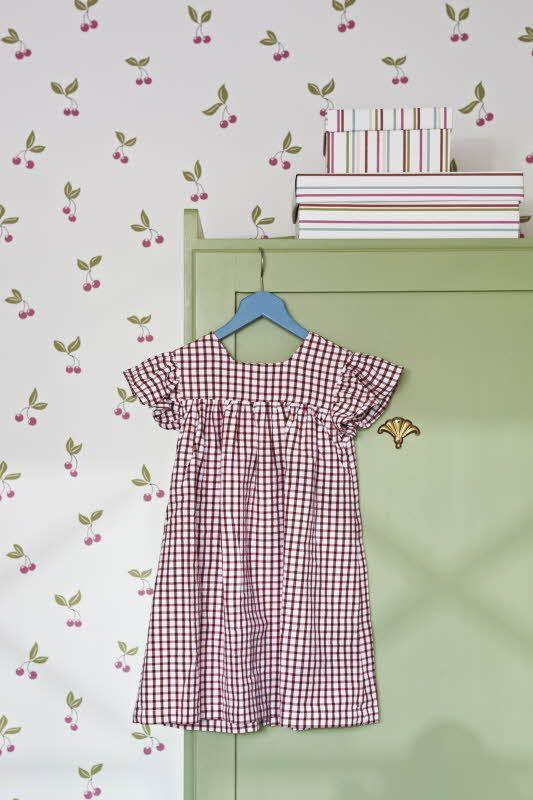 Lastenhuone Boråstapeter Lilleby, malli 2654. Katso myös muut värivaihtoehdot ja kuinka yhdistää muihin tapetteihin. Värisilmä http://kauppa.varisilma.fi/seinanpaallysteet/nonwoven-tapetit/lilleby/ #tapetti #lastenhuone