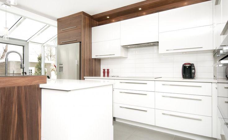 Cuisine contemporaine Pure - Armoires de cuisines Québec | Clé en main | Novaro