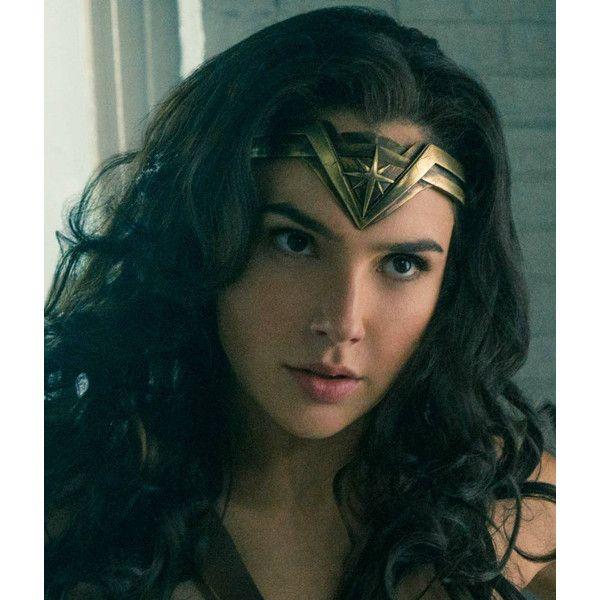 Wonder Woman Tiara, wonder woman cosplay, Gal Gadot, crown, costume... (280 DKK) ❤ liked on Polyvore featuring costumes, leather halloween costumes, wonder woman halloween costume, dc comics costumes, dc comics halloween costumes and star costume