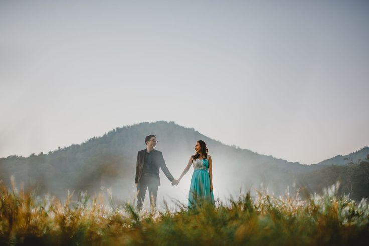 Misty Lake Prewedding in Bali // Dian & Mangara » Terralogical Wedding Photography – Bali & Worldwide  #bali #engagementportrait #engagement #engagelife #bridestory #bridetobe #wedding #weddingdream #baliprewedding #preweddingatbali #balibride