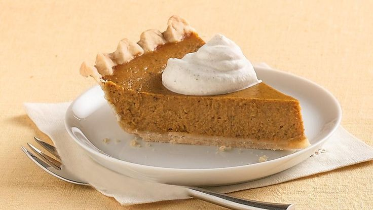Who says basic has to be bland? Every slice of Classic Pumpkin Pie is bursting with the flavors of seasonal spices.