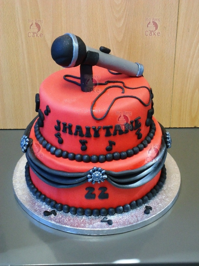 A Cake For A Singer Sweet Sixteen Cakes Cake Desserts