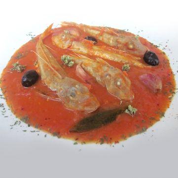 Scopri come realizzare una gallinella in zuppetta mediterranea su Fresco Pesce!