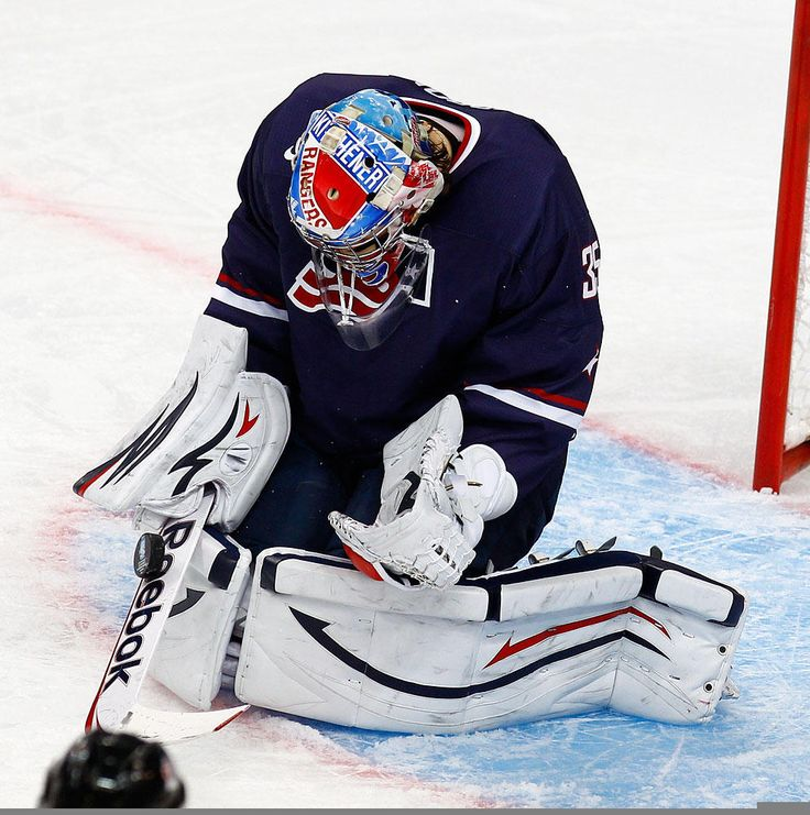USA goaltender John Gibson comes up big in his team's 5-1 win over Canada in the WJC semifinals.
