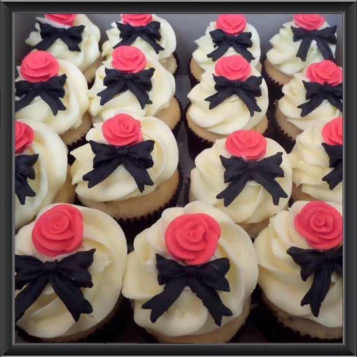 Simple yet elegant designs! Contact Bella's for a quote- 0430 844 633 or admin@bellascupcakeworld.com