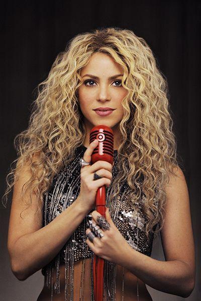 Shakira Amazing Photoshoot with Curly Hair - Celebs Photos ...