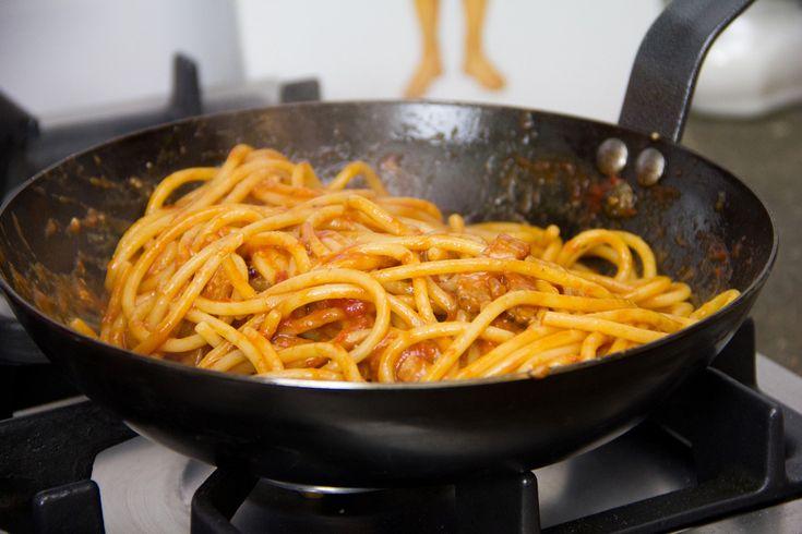 bucatini-amatriciana-ricetta-00