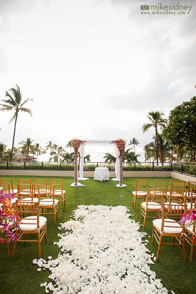4 Post Maui Wedding Arch With Pink Flowers At The Four Seasons Resort In Wailea Mikesidney