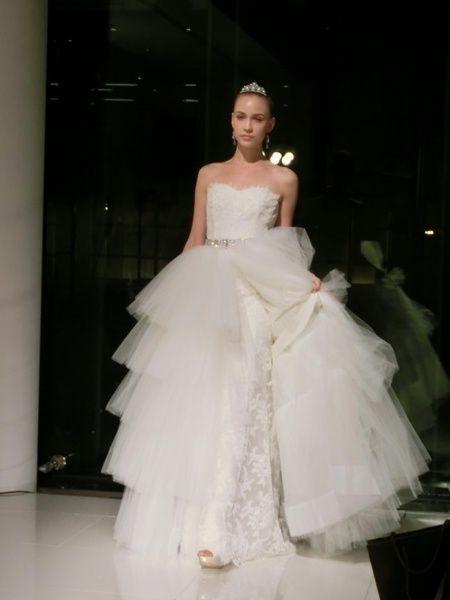 日本初上陸!! オスカー・デ・ラ・レンタ☆ ドレス3型 8|ノバレーゼ(NOVARESE)銀座の花嫁 写真・フォトギャラリー|ザ・ウエディング