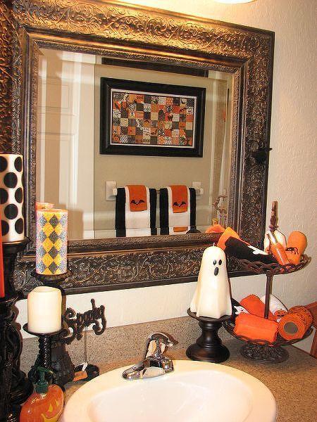 1000 Ideas About Halloween Bathroom On Pinterest Halloween Bathroom Decora