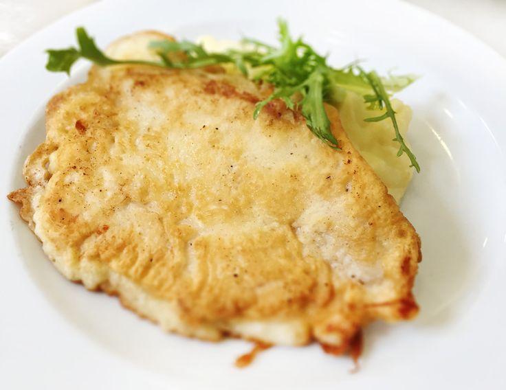 Denné menu Vranov | Vyprážané kuracie prsia vo vínnom cestíčku, zemiaková kaša - reštaurácia Hotel Patriot*** #hotel #restauracia #dennemenu