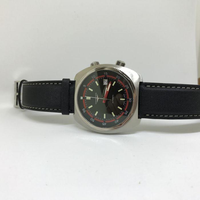Longines Heritage Diver - Men's watch - 2017  Verkoop mijn mooie gloednieuwe Longines Heritage Diver.De Longines Heritage Diver betaalt een eerbetoon aan de resultaten van Pioniers in onderwater exploratie. Dit uurwerk is een opnieuw problemen van horloges die bestemd zijn voor gebruik door duikers geproduceerd in de jaren 1970. De kussen-vormige stalen kast is dezelfde diameter als het originele model en is waterbestendig tot 30 bar. De zwarte satin-afwerking dial combineert elegant rode…