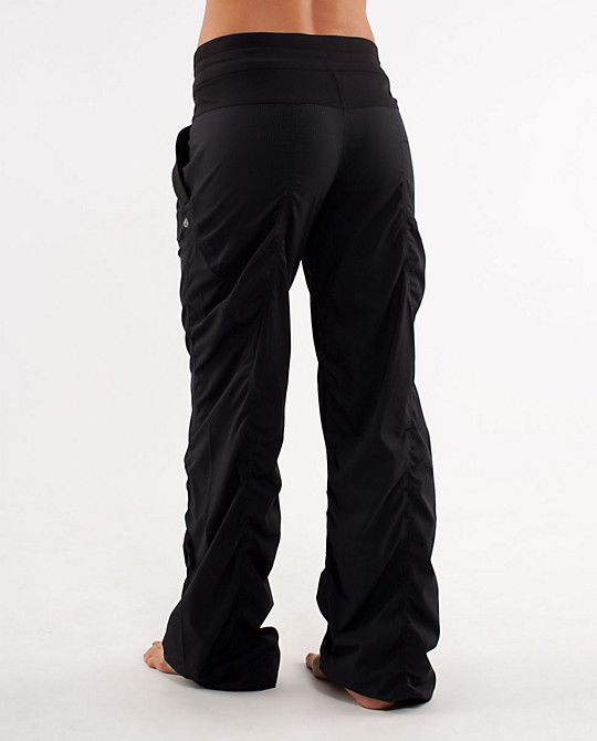 show off the Squattin' booty in comfy style! LuLuLemon Studio Pant II I want some of these pants!