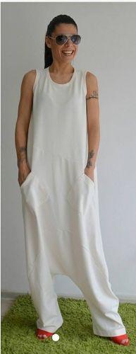 Γυναικεία ολόσωμη φόρμα stories for queens από ψιλό φούτερ υλικό. Διαθέτει εξωτερικό φερμουάρ στην πίσω πλευρά.  http://handmadecollectionqueens.com/γυναικεια-ολοσωμη-φορμα-απο-ψιλο-φουτερ  #handmade #fashion #Jumpsuit #clothing #storiesforqueens #women