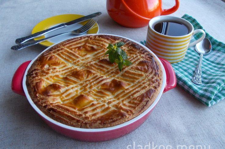 баскский пирог с грушами и заварным кремом