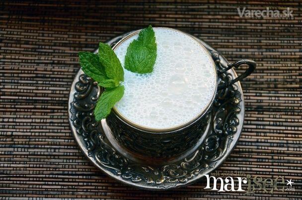 Modrý ayran - jogurtový nápoj - Recept