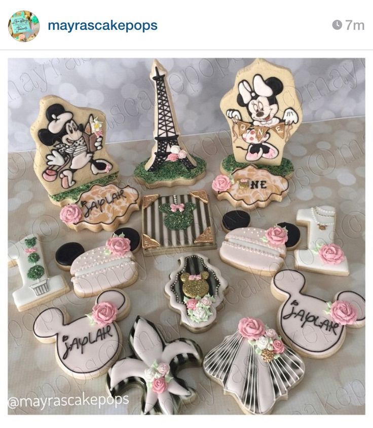 Minnie Mouse in Paris 1st Birthday Theme ~ #MayrasCakePops