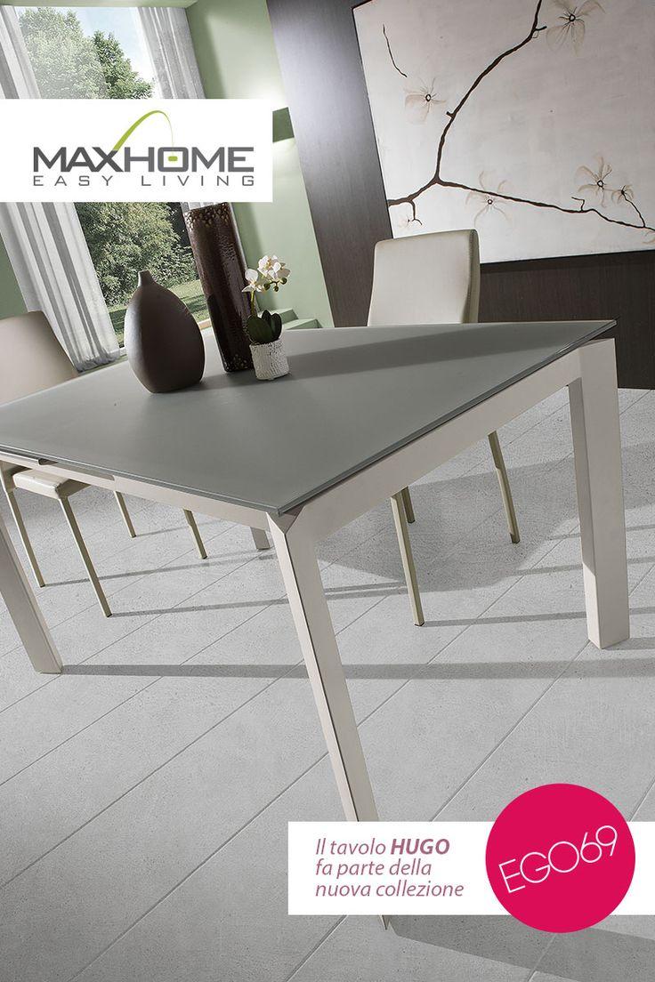 Il l top vetro, unitamente alle linee rigide della struttura, conferisce a HUGO un efficace mix di discrezione e semplicità. La struttura di HUGO consente un importante allungamento, permettendo un notevole aumento di superficie del piano.