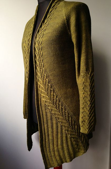 Ravelry: Project Gallery for Ink pattern by Hanna Maciejewska