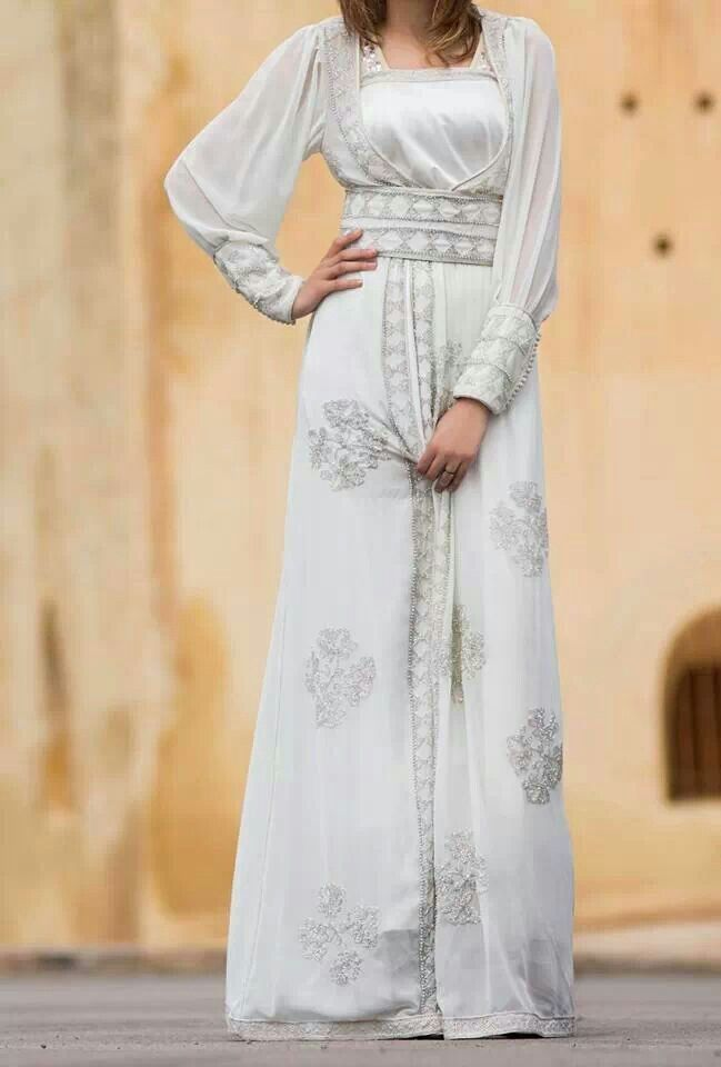 Arabic white kaftan could be perfect for henna party for White kaftan wedding dress