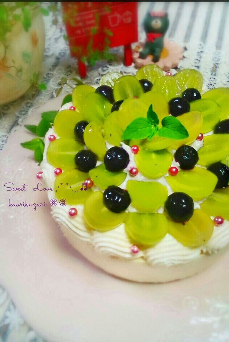 かおりかざり's dish photo 葡萄のヨーグルトムースケーキ | http://snapdish.co #SnapDish #レシピ #お誕生日 #ケーキ #フルーツ #ヨーグルト #プリン/ゼリー