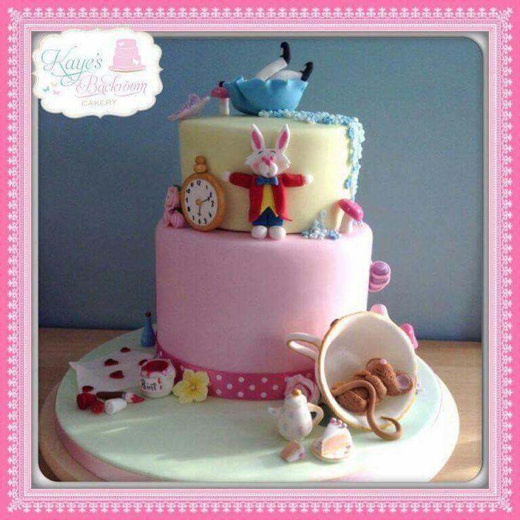 Alice in wonderland cake for a birthday