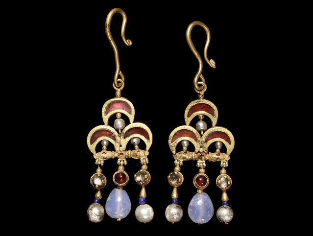 Byzantine Earrings A pair of Byzantine gold, garnet, pearl, and sapphire earrings, circa5th-7th century A.D.
